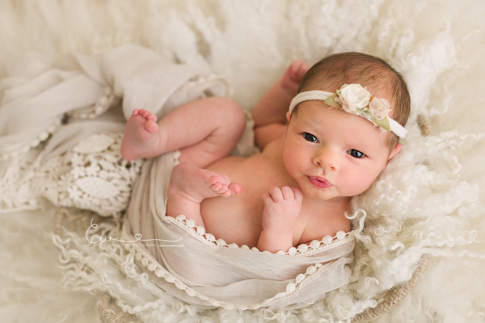 Newborn Photoshoot Taken Before 1 Twin Passed Away   POPSUGAR Family   1066x1600